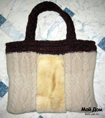купить маленькую сумочку на длинном ремешке.