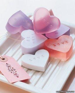 Мыло в виде сердечка